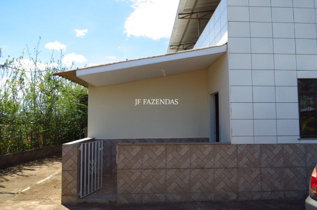 Granja de 1000 m² em Chácara-MG