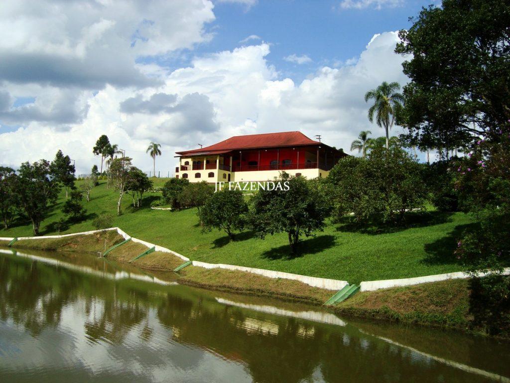 Sitio de luxo em Embu-Guaçu – SP – 70 hectares