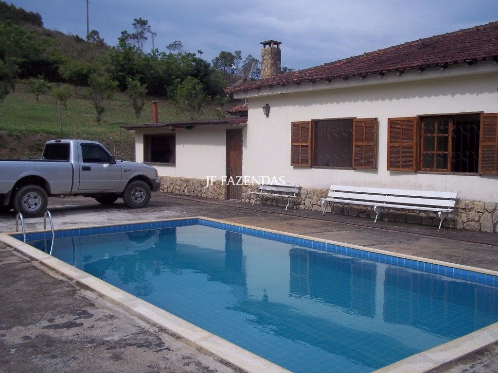 Sitio em Santa Barbara do Monte Verde – MG – 43 hectares