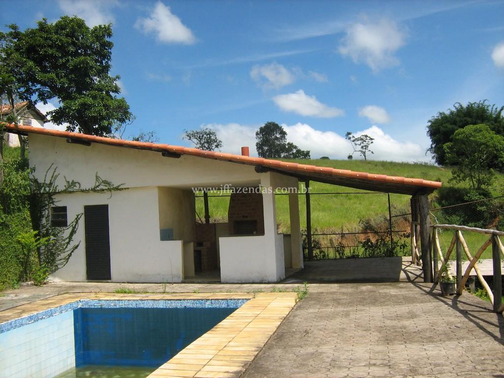 Sitio em Chácara/MG – 4,5 hectares